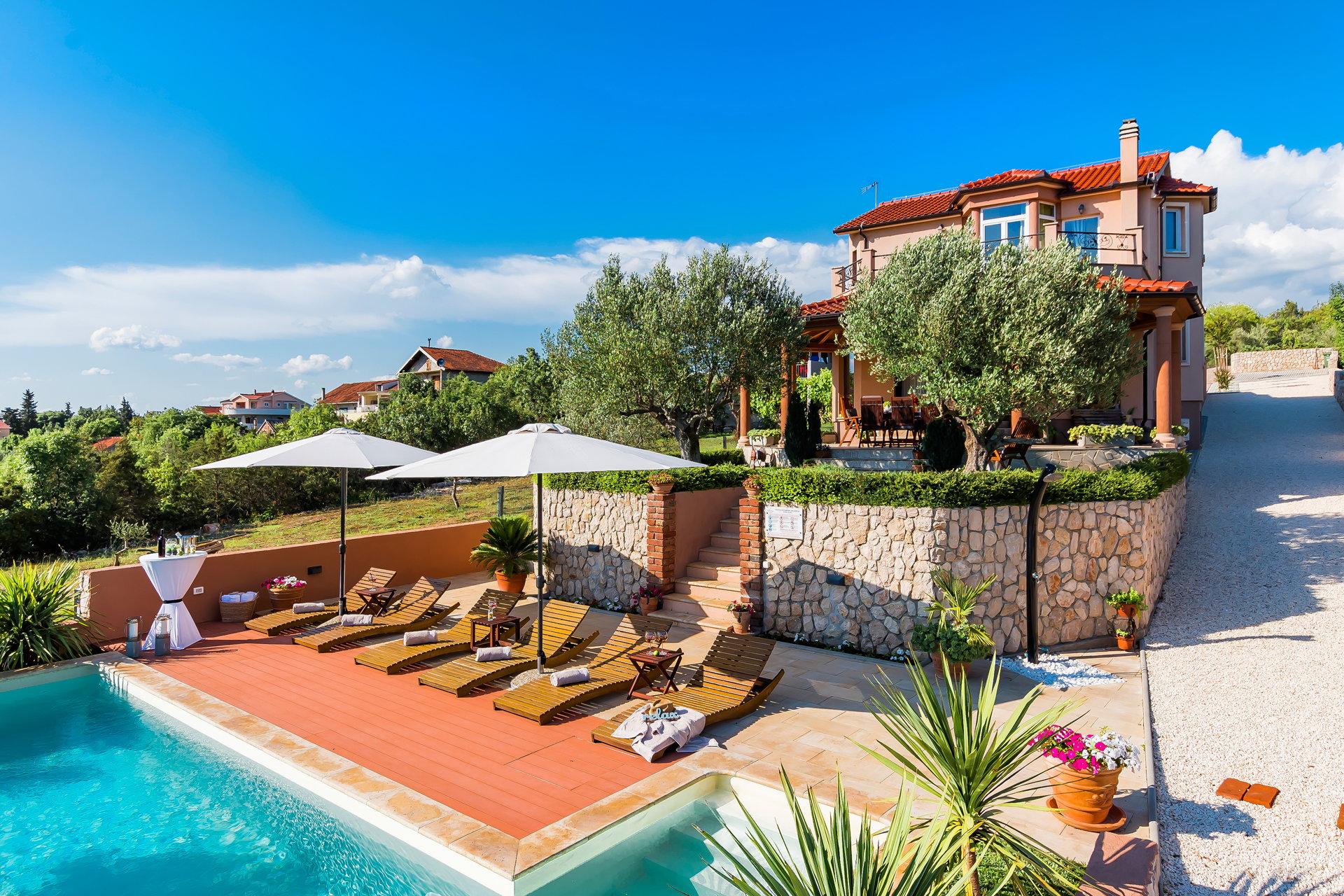 Luxury Villa Antoneta with Swimming Pool