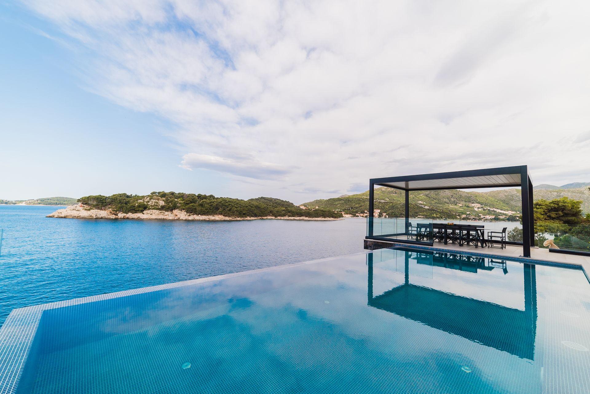 Grand Oceania Infinity Pool View