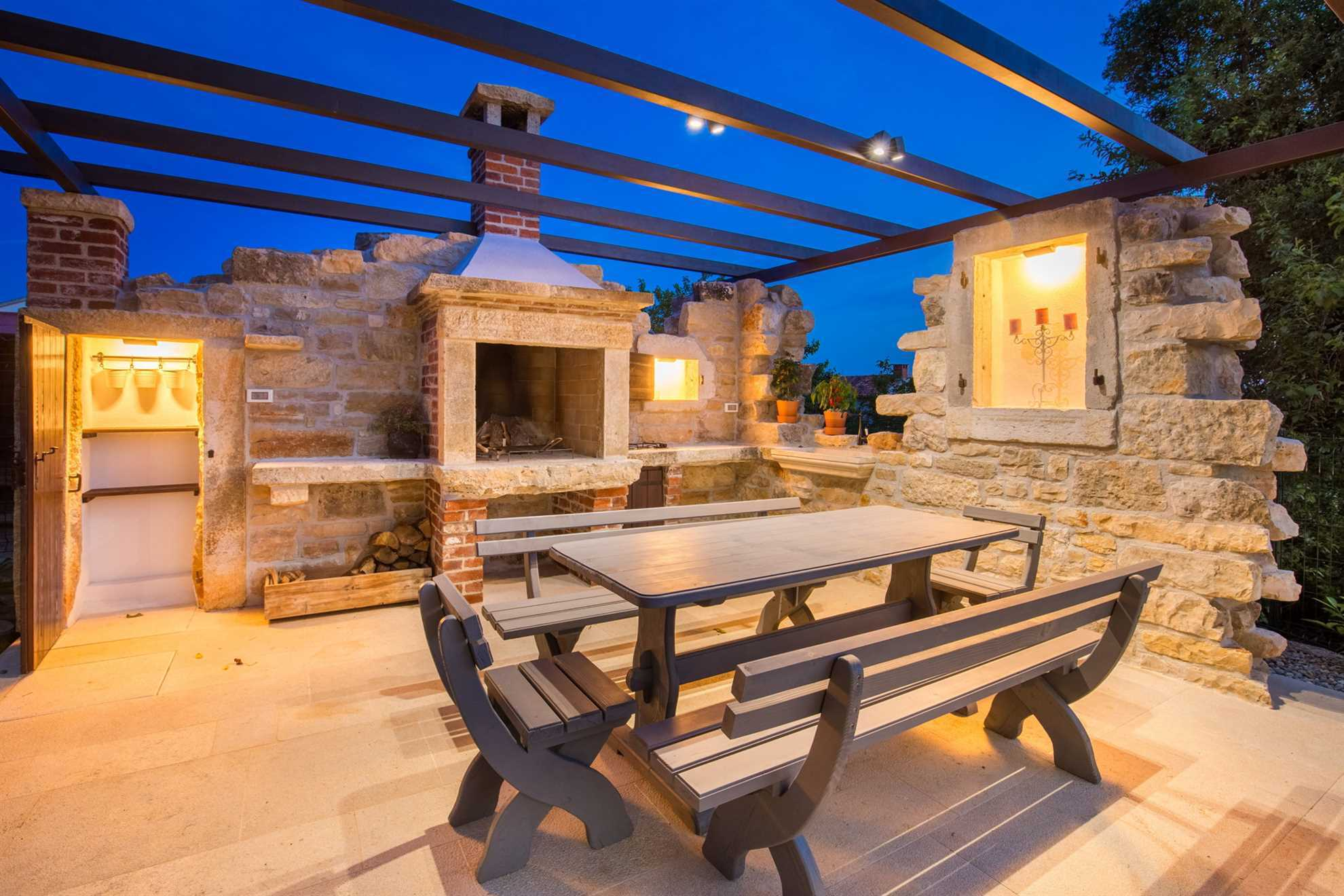 Outdoor area with BBQ Holiday Home Cherry Hill Istria