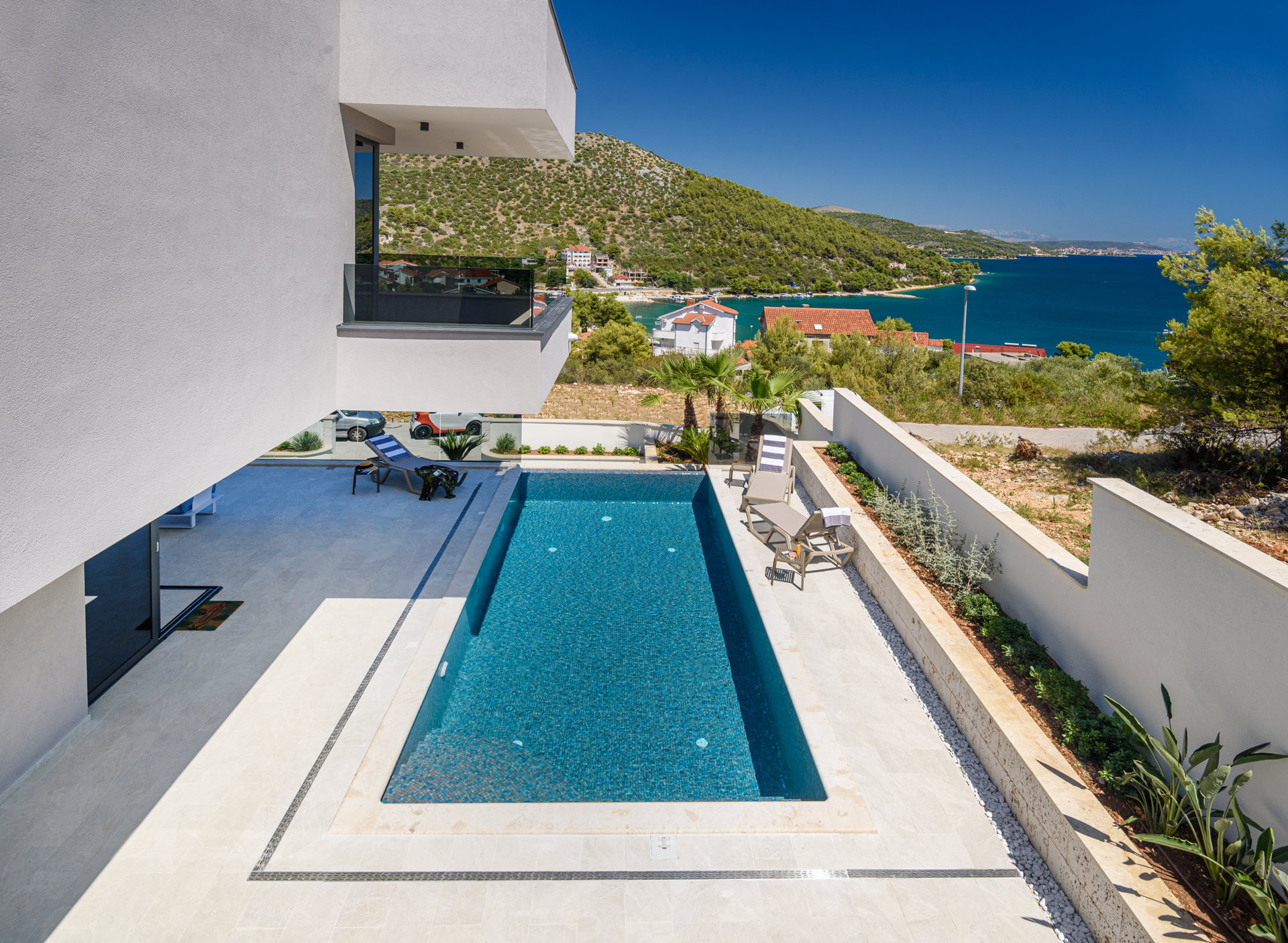 Pool terrace with panoramic view from Luxury Villa Posh Plum