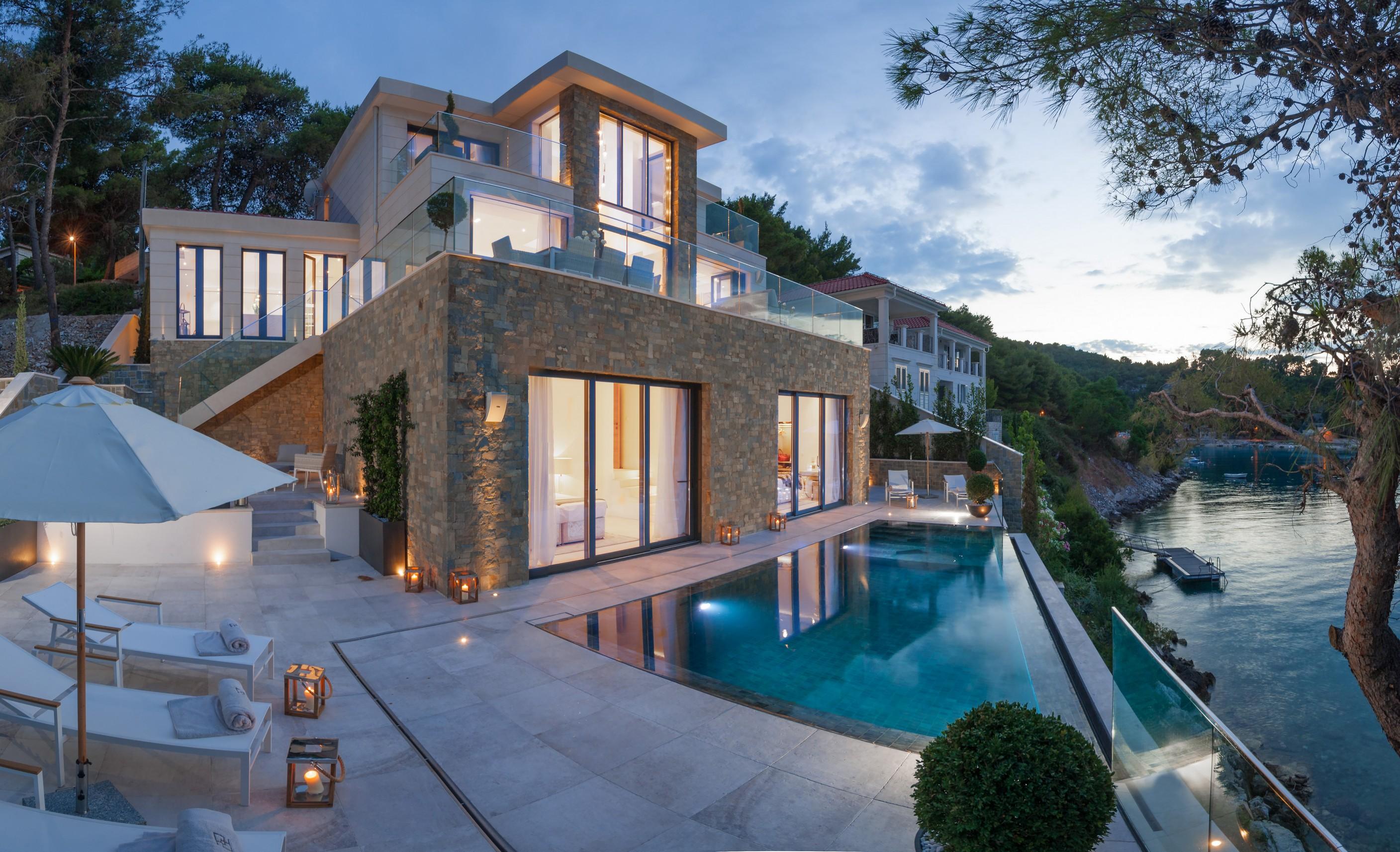 Luxury Villa Silent with Infinity Pool on Brac Island