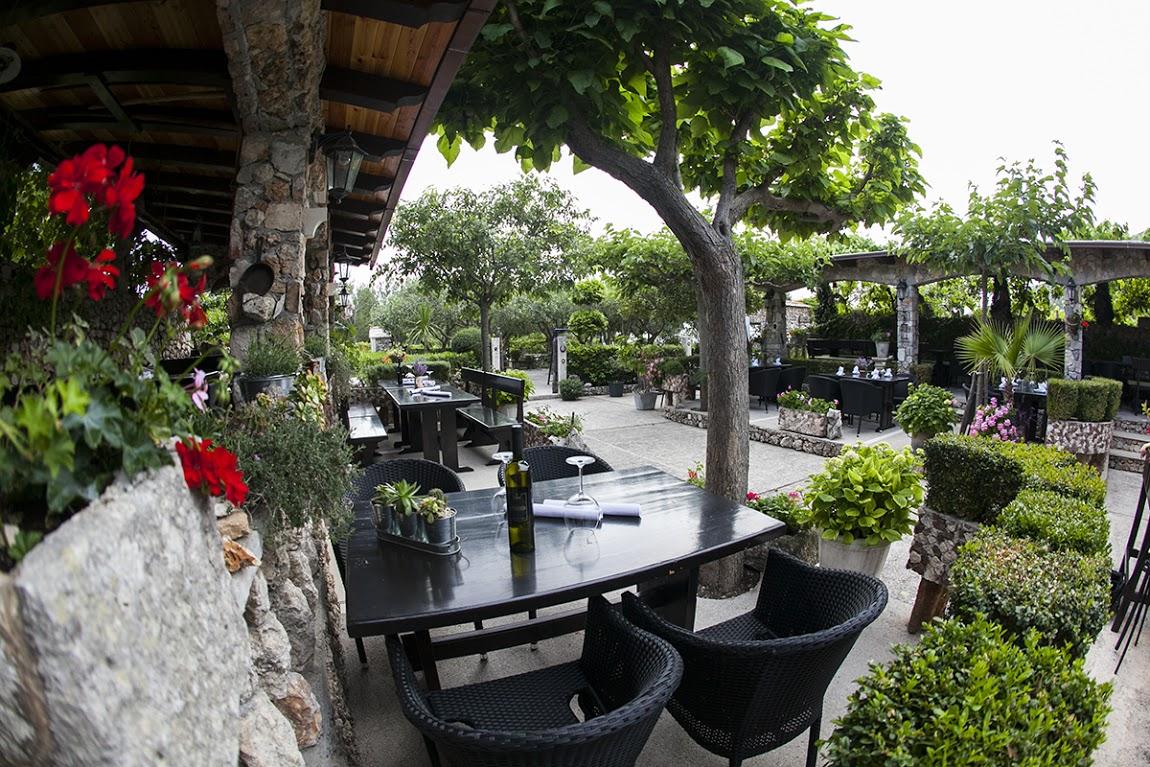 Mali Raj Restaurant Bol