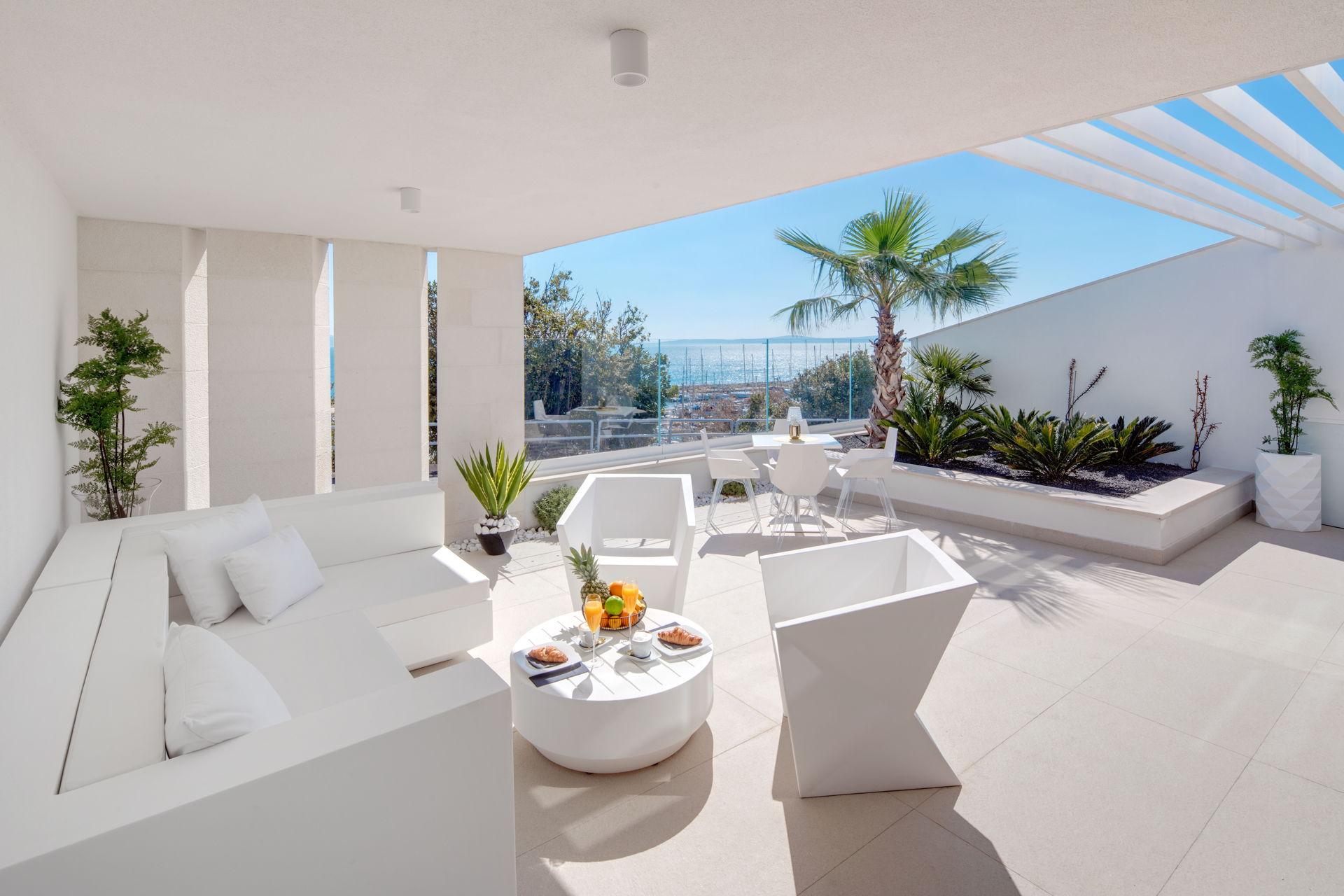 Breakfast with a view Posh Residence Split