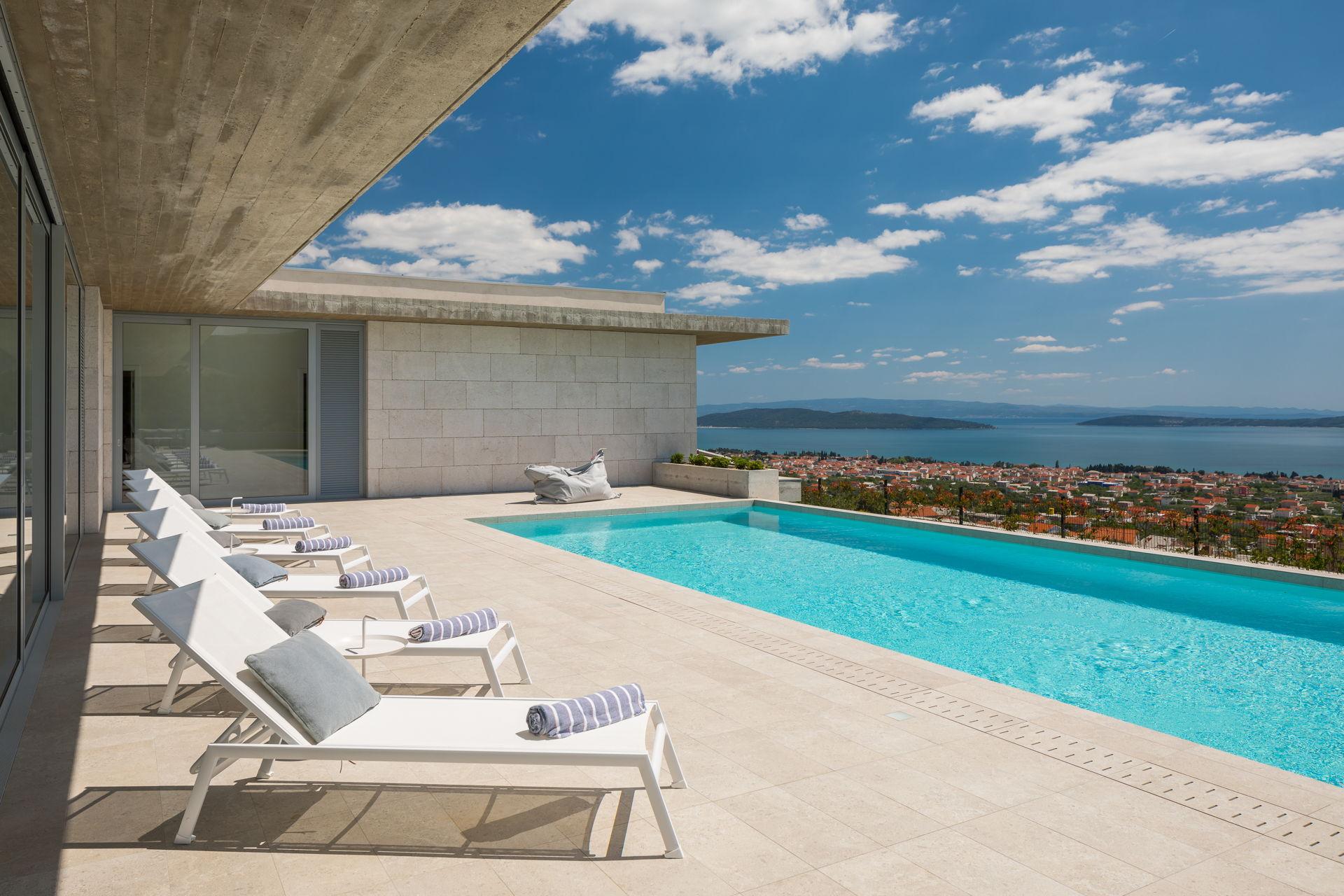 Villa Radun Home with Grand Pool Split Riviera Croatia