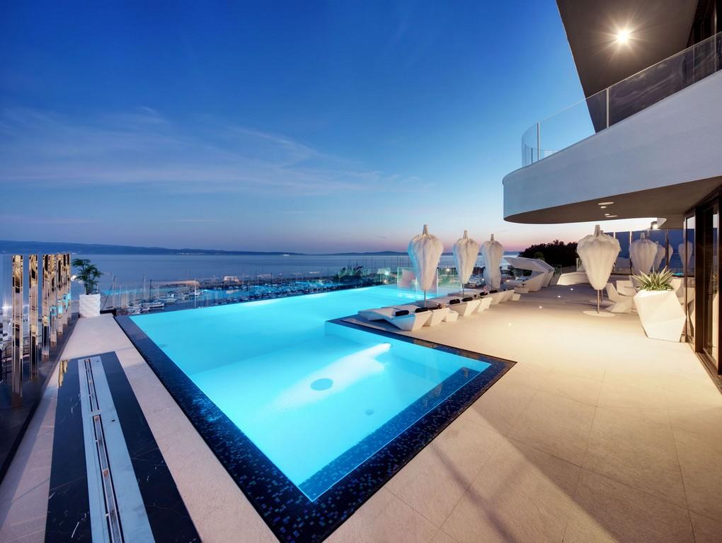 Sea View of Posh Residence Villa in Split