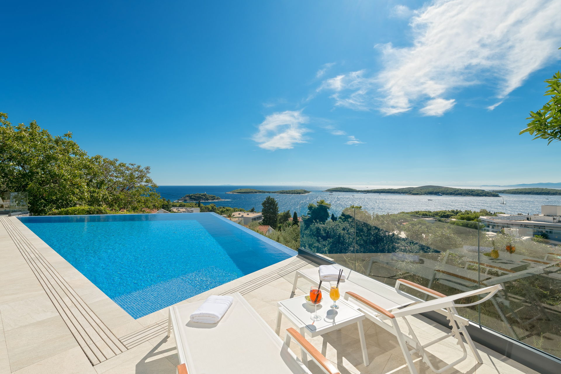 Side view of the Infinity Pool Princess of Hvar
