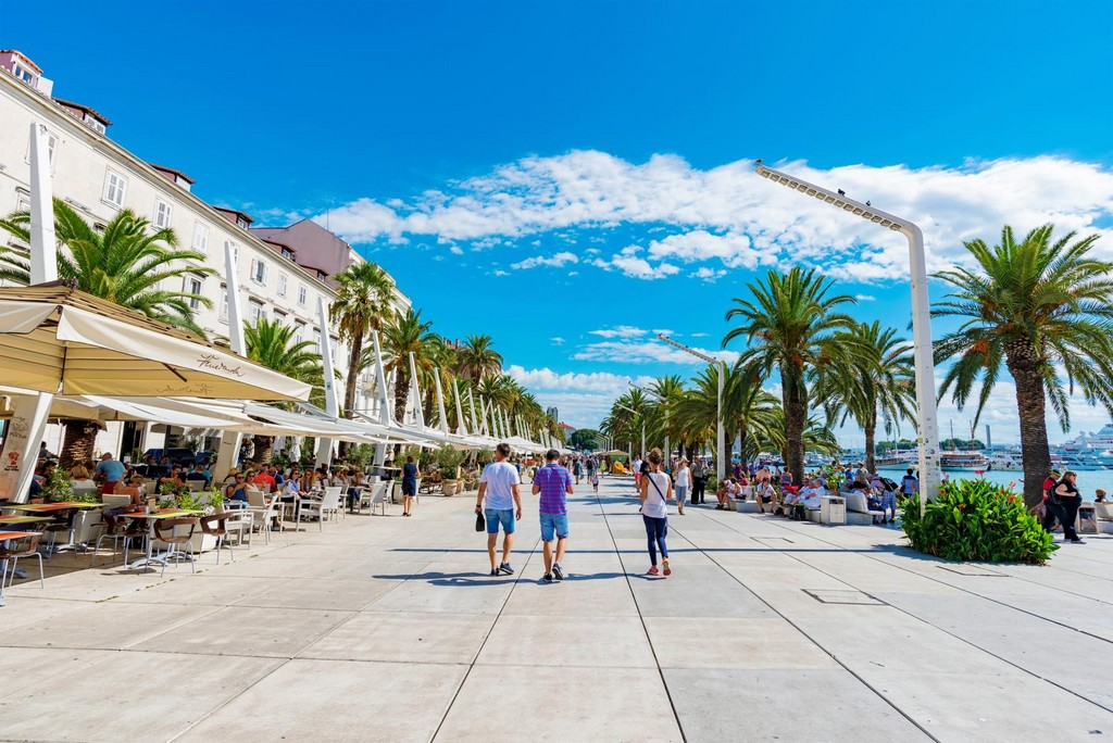Split Riva Promenade with cafes and people
