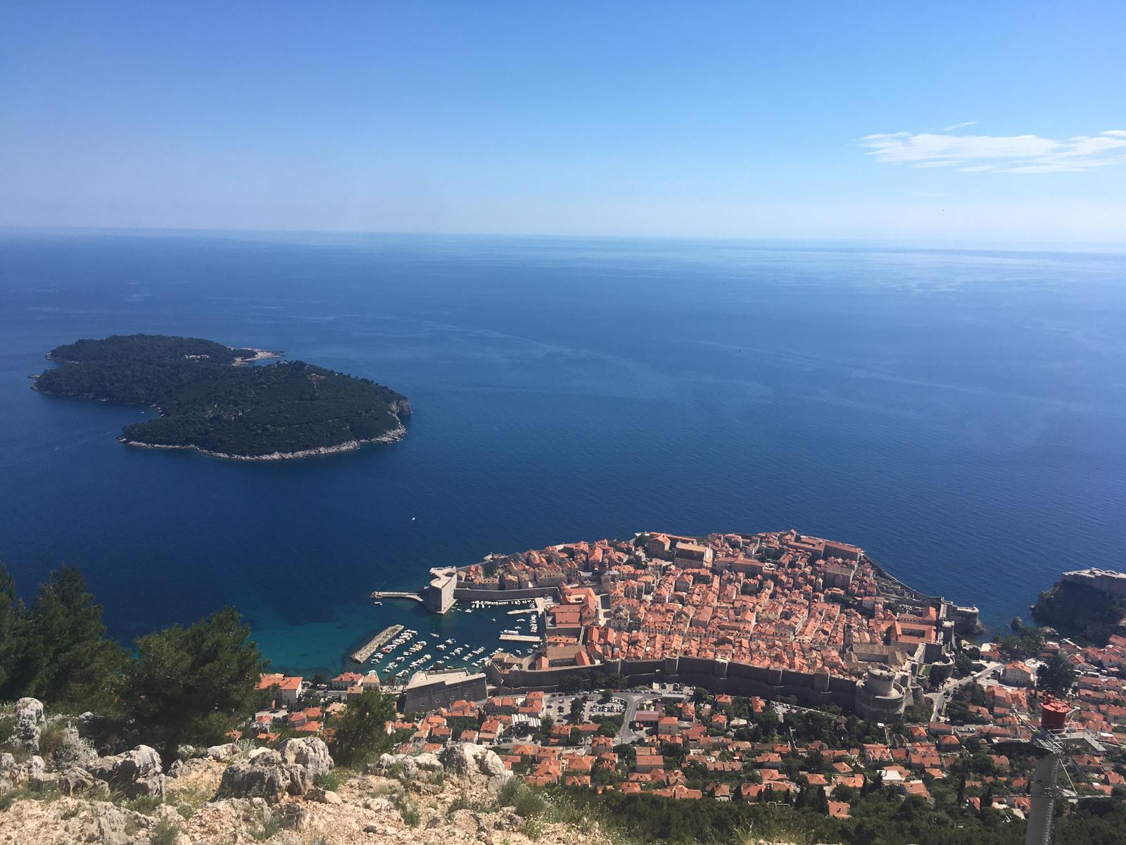 Pogled na Dubrovnik sa planine Srđ
