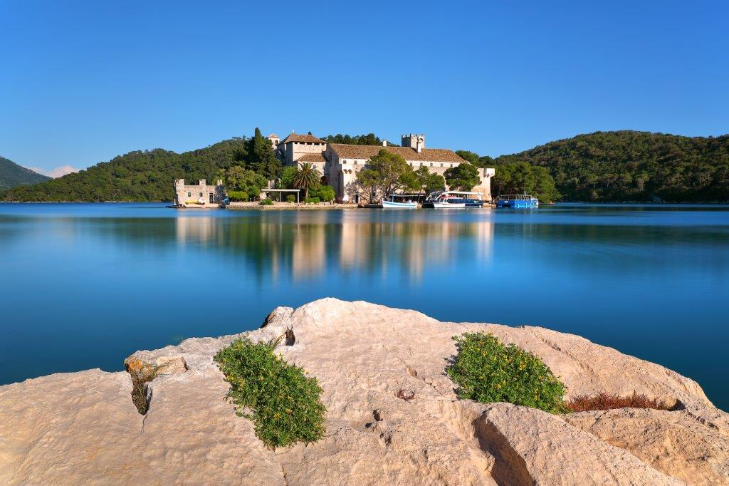 St. Mary`s Isle by np-mljet.hr