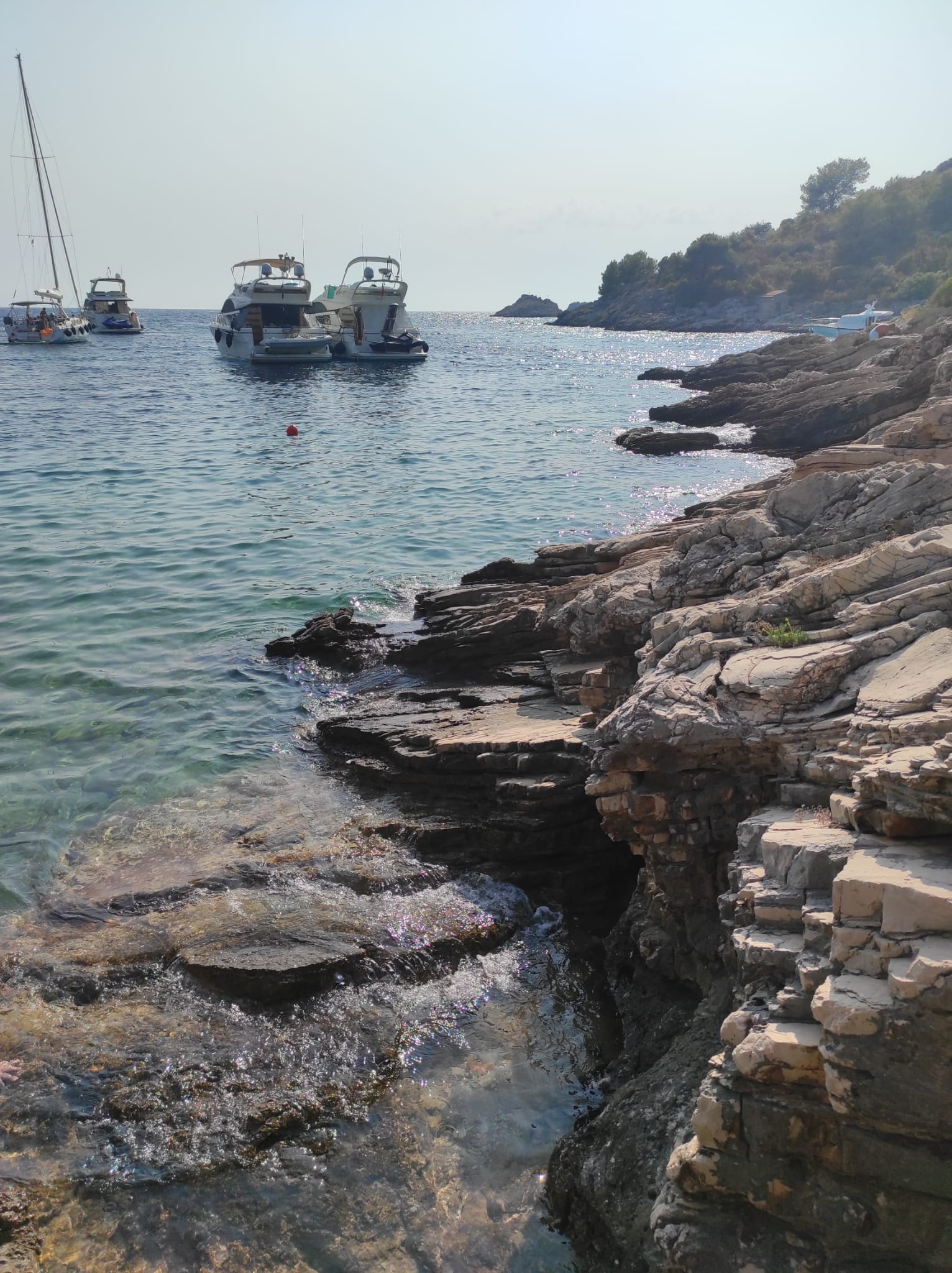 Cliff diving Tatinja bay