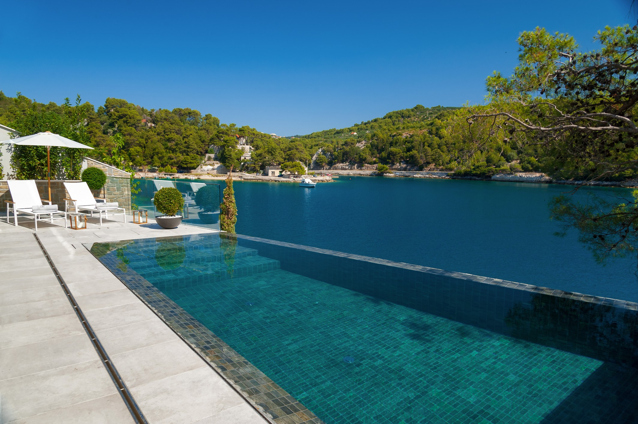 View of Sumartin from Infinity Pool of Villa Silent