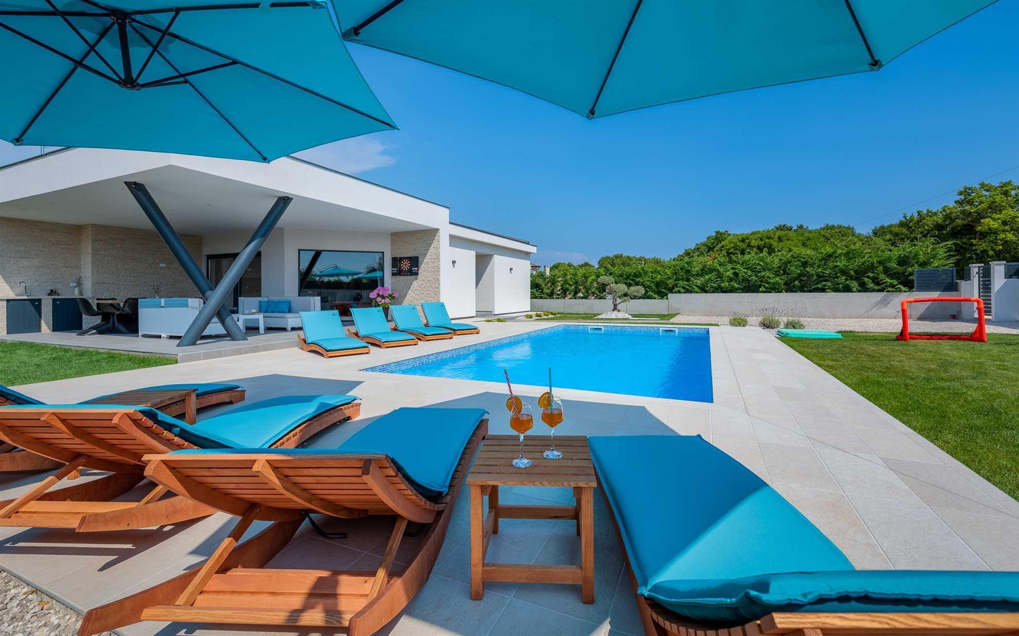 Villa Bambina with Heated Pool – the garden