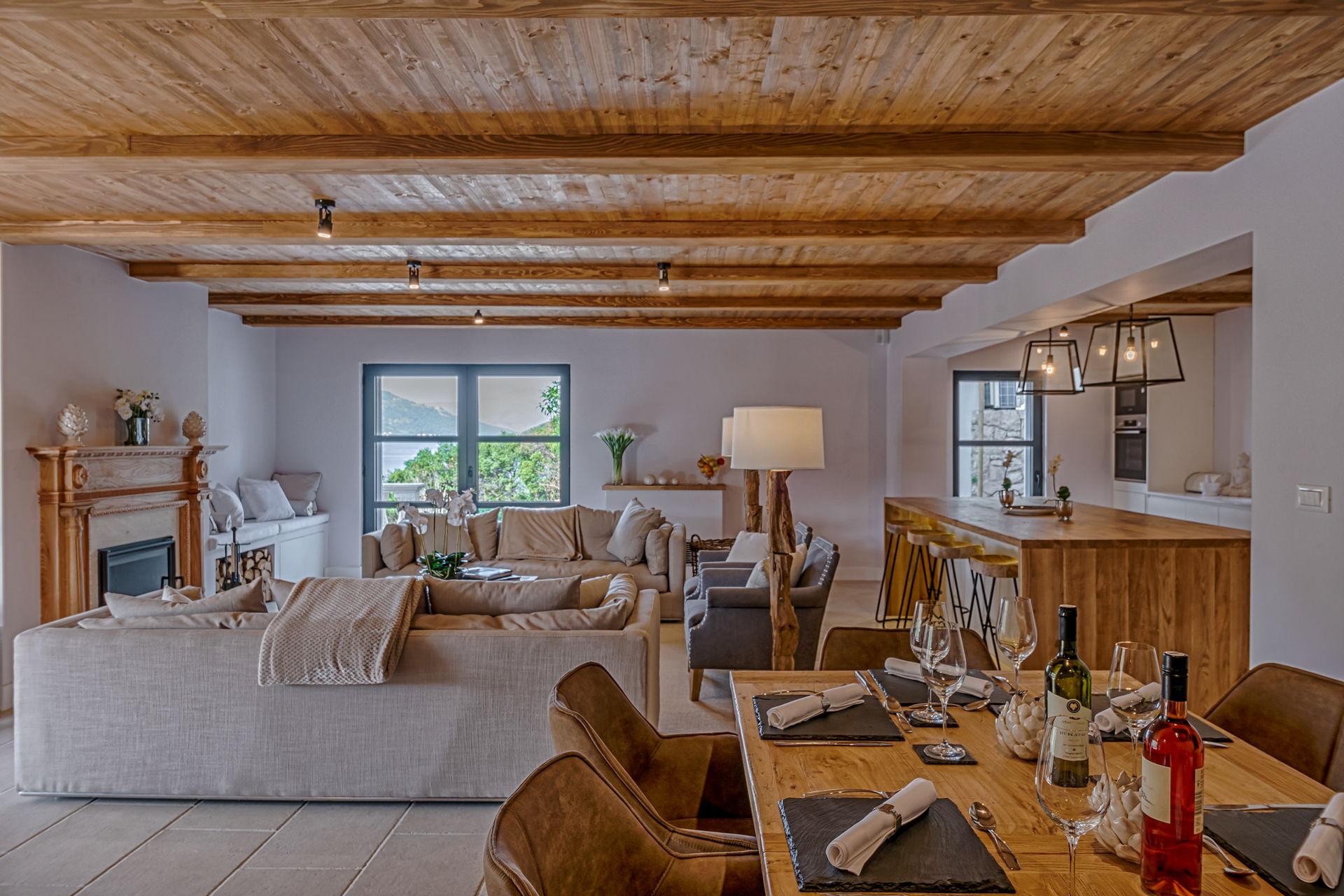 Villa Feodora Grande Living area with Fireplace