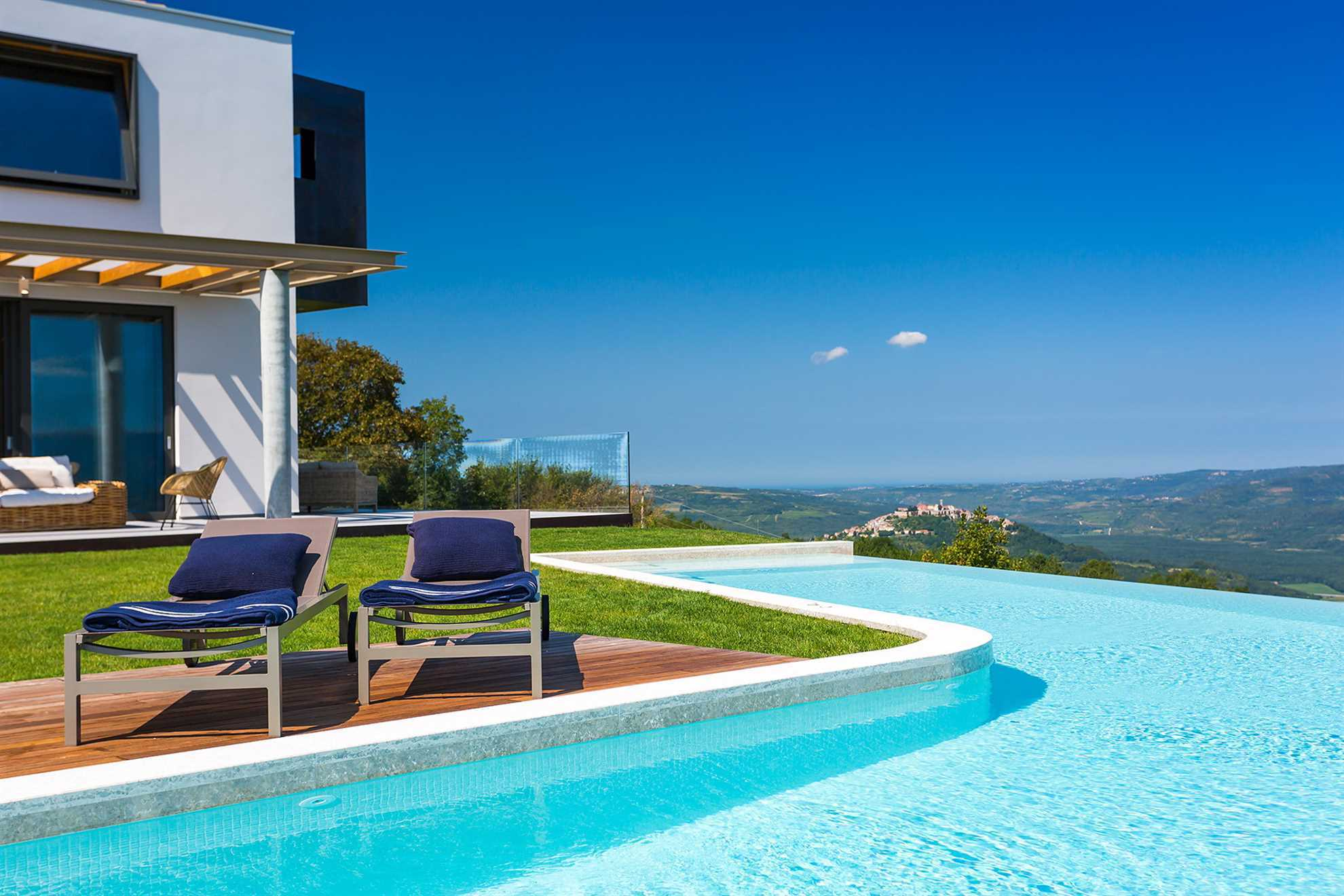 Villa Grand Horizion with L-shaped swimming pool on hilltop in Istrian inland, Croatia