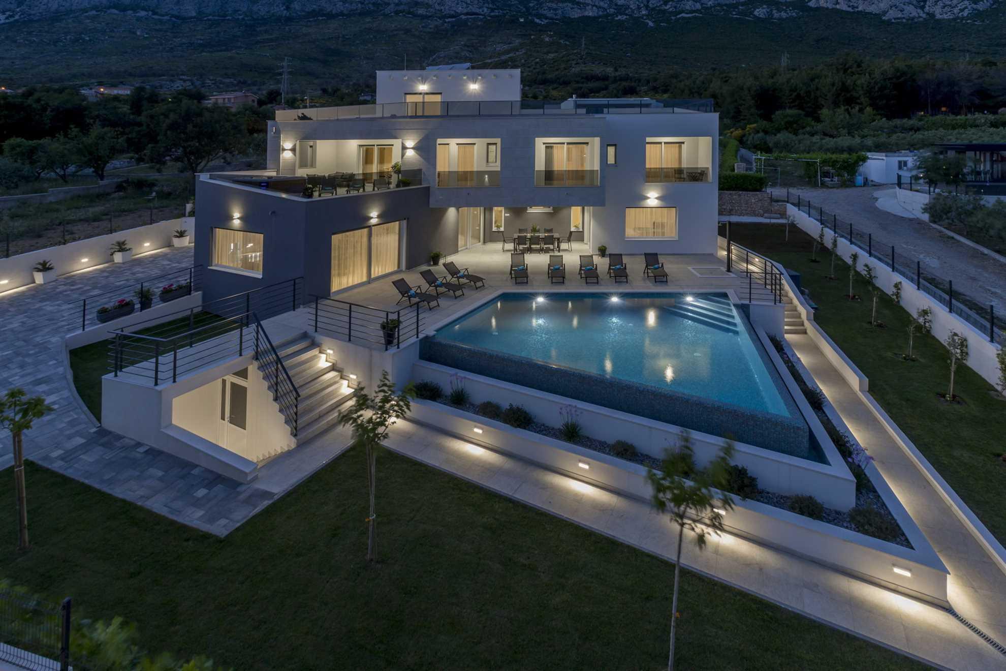 Luxury Villa Storia The Infinity Pool