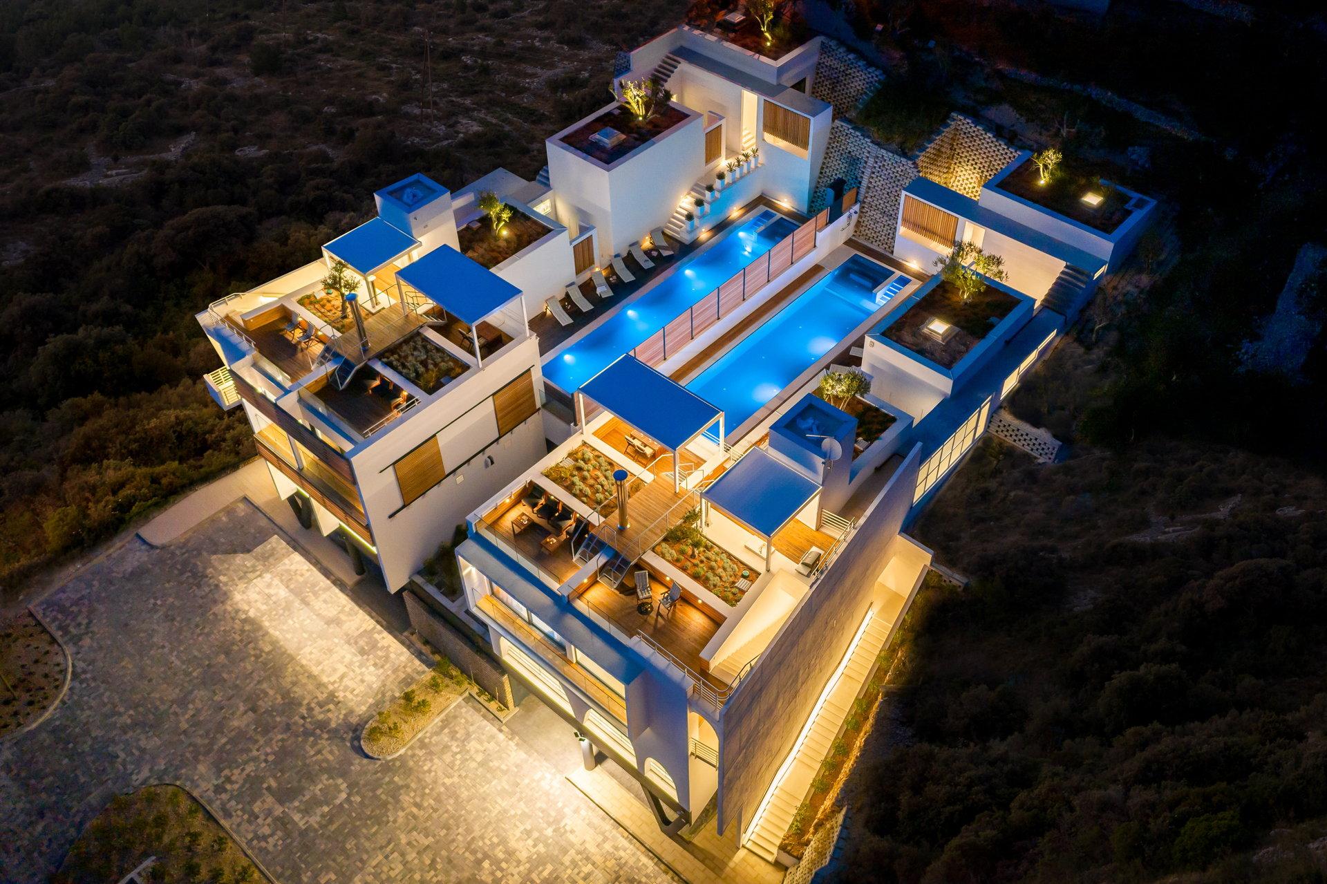 Carpe Omnia Villas Complex in Omis