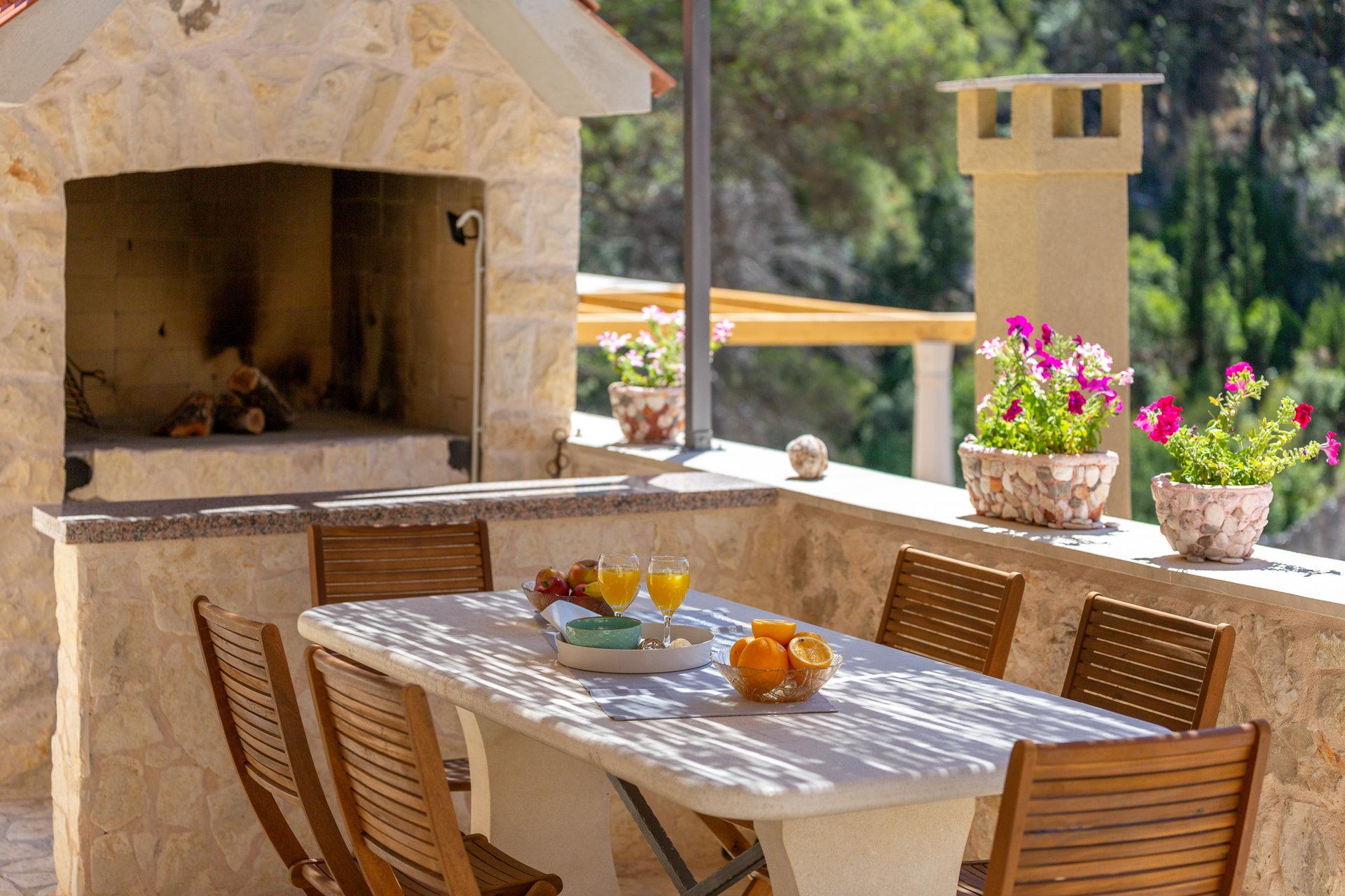 Stone barbecue, Country Villa Hvar Hill