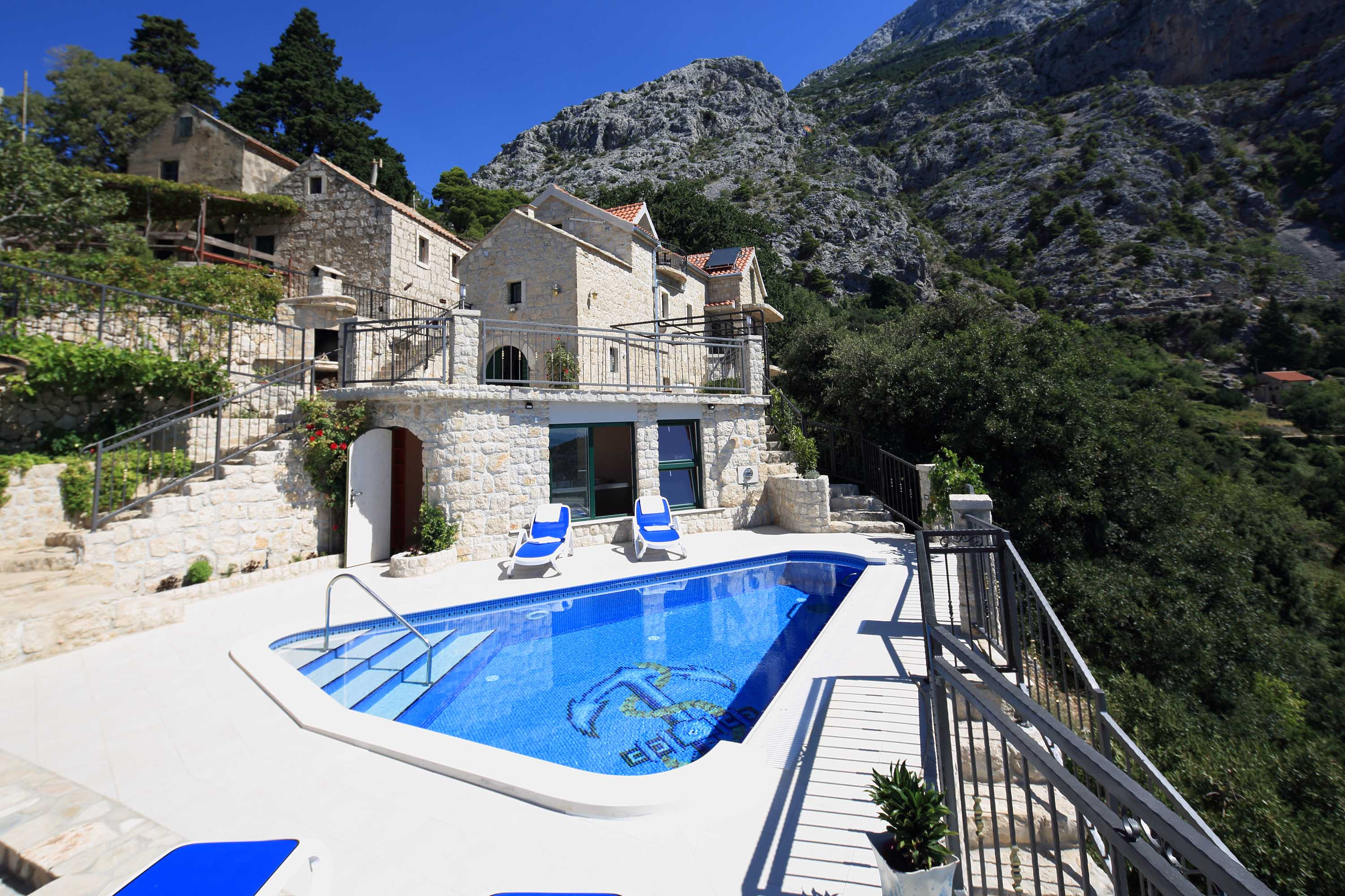 Holiday Home Dalmatian Stone with Pool