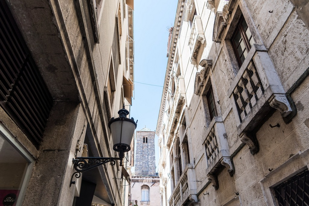 Narrow passages between the buildings in Diocletians Palace in Split