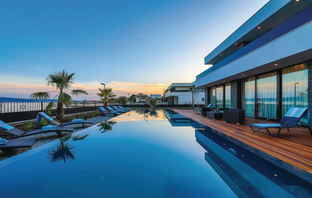 Beachfront Villa Baronessa with Pool