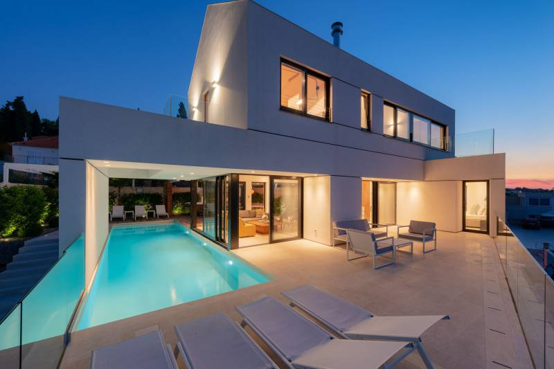Luxury Villa Dominus with Swimming Pool