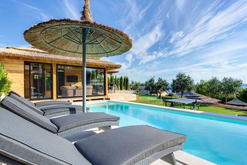 Luxury Bungalow Kai with Pool