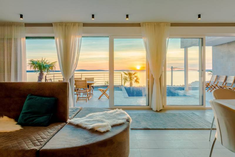 Luxury Villa White Velvet with Pool