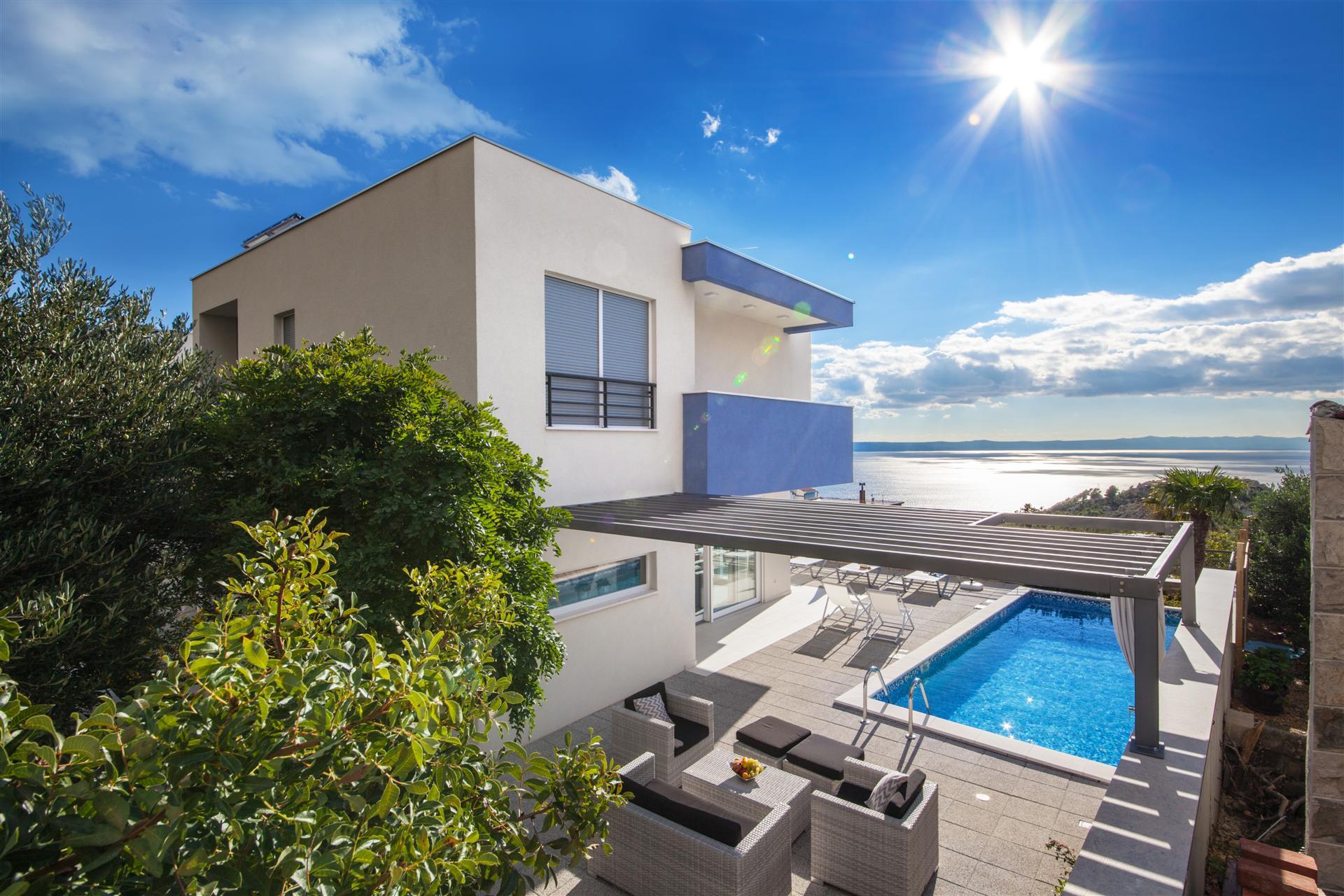 Luxury Villa Blue Silk with Heated Pool