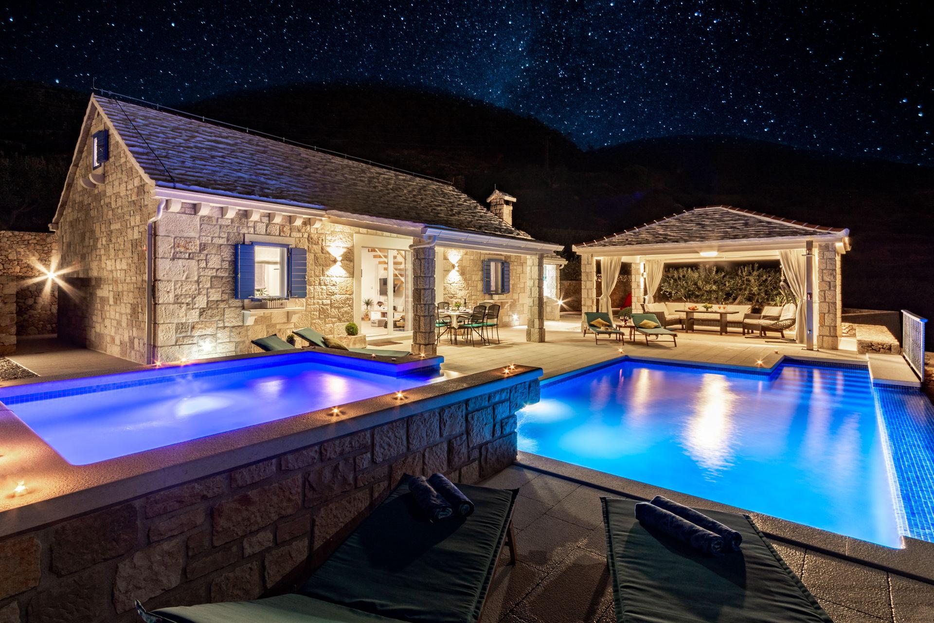 Deluxe Villa Purple Rain with Swimming Pool
