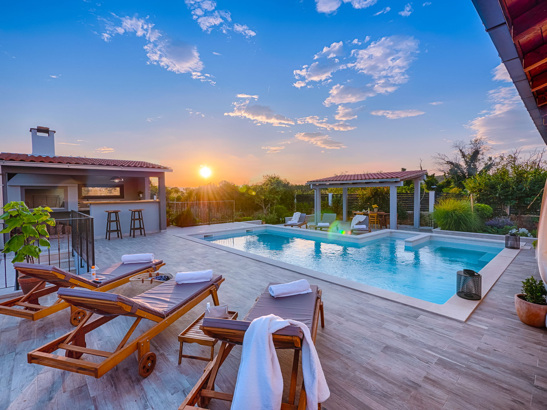 Country Villa Gardenia with Pool