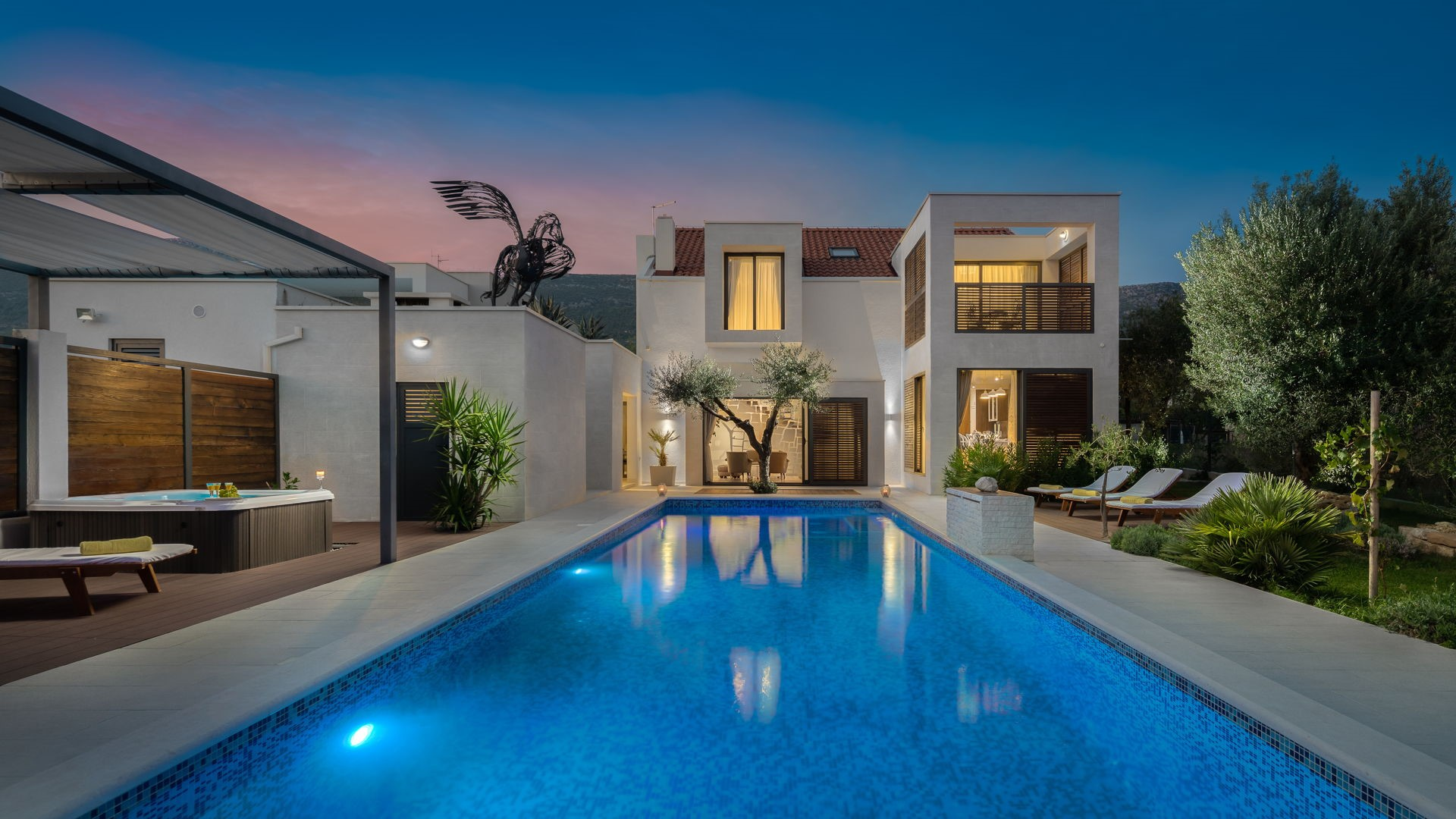 Luxury Villa White Oasis with Swimming Pool