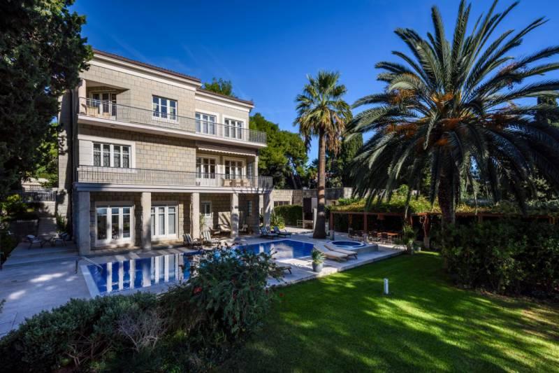 Luxury Villa Marjan Palace with Swimming pool