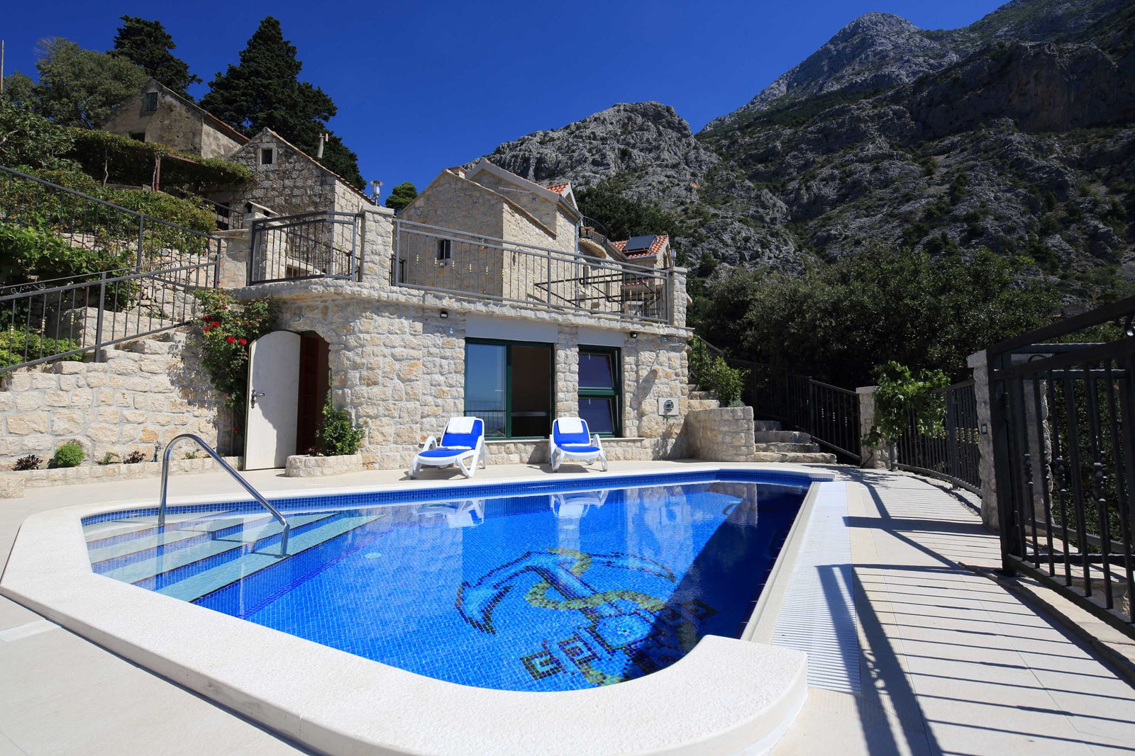 Country House Dalmatian Stone with  Pool