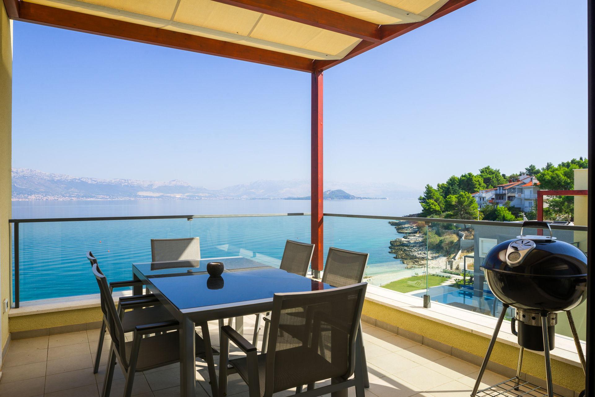 Beachfront Apartment Lemonade IV