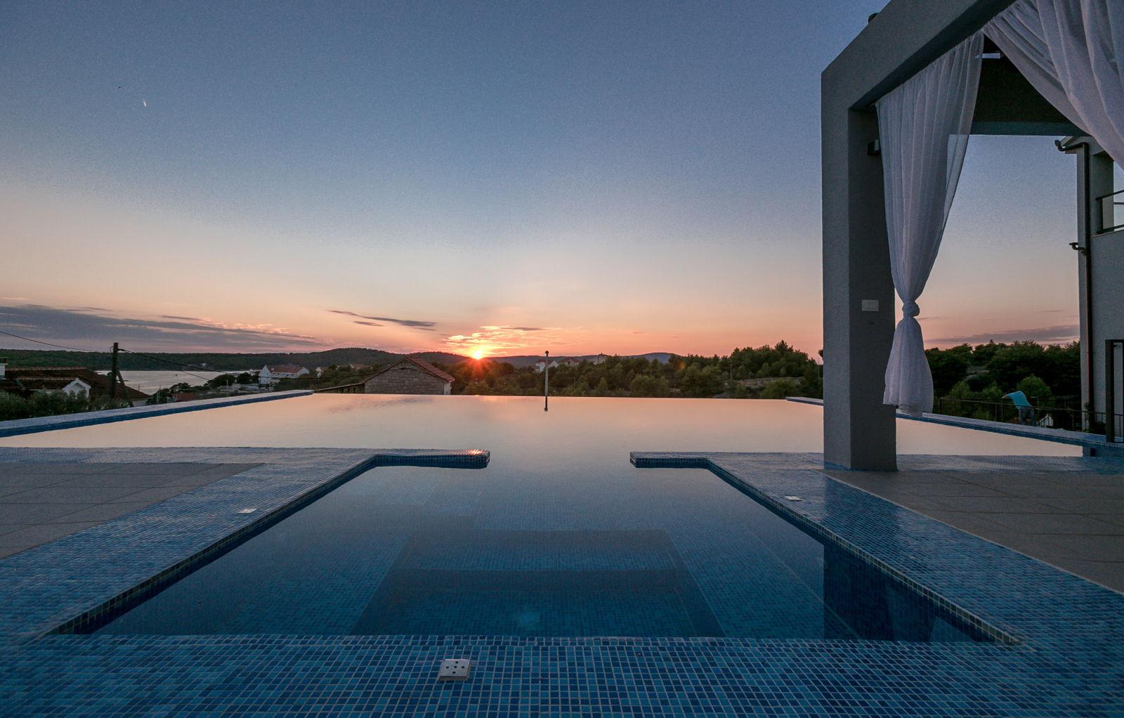 Apartment Belona with Swimming Pool III