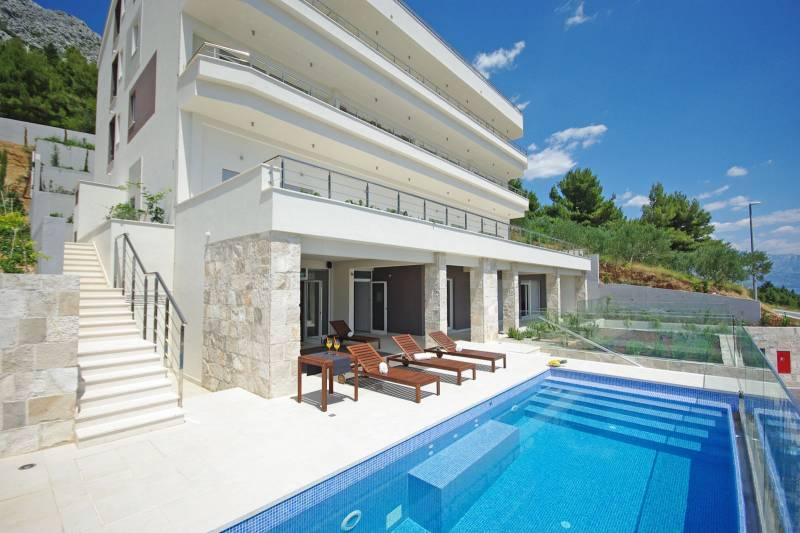 Apartment in Ultra Luxury Villa EnJoy III
