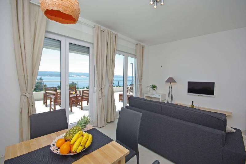 Studio Apartment in Ultra Luxury Villa EnJoy IX