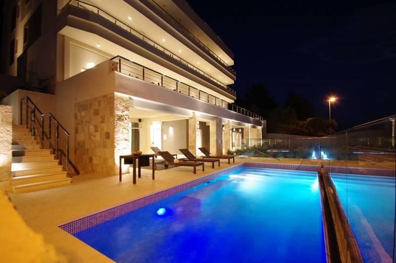 Studio Apartment in Ultra Luxury Villa EnJoy V