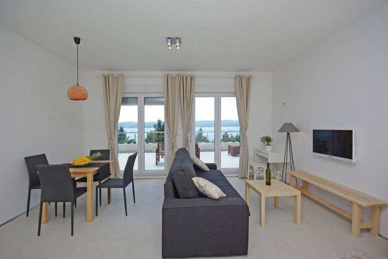 Studio Apartment in Ultra Luxury Villa EnJoy X