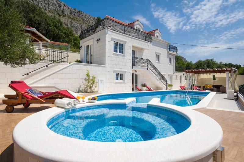 Villa Magic White with Swimming Pool