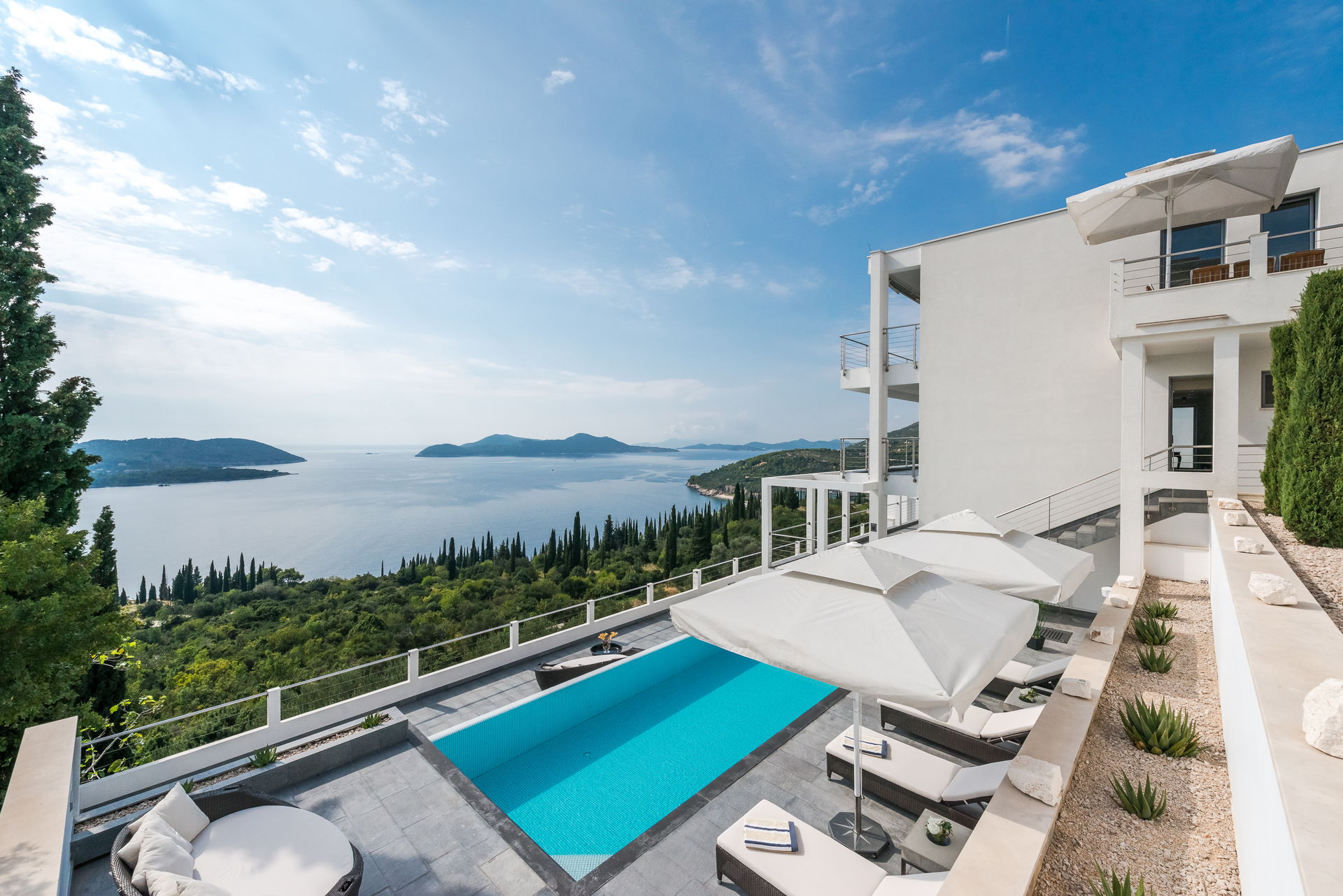 Luxury Villa Palace of Dreams with Swimming Pool