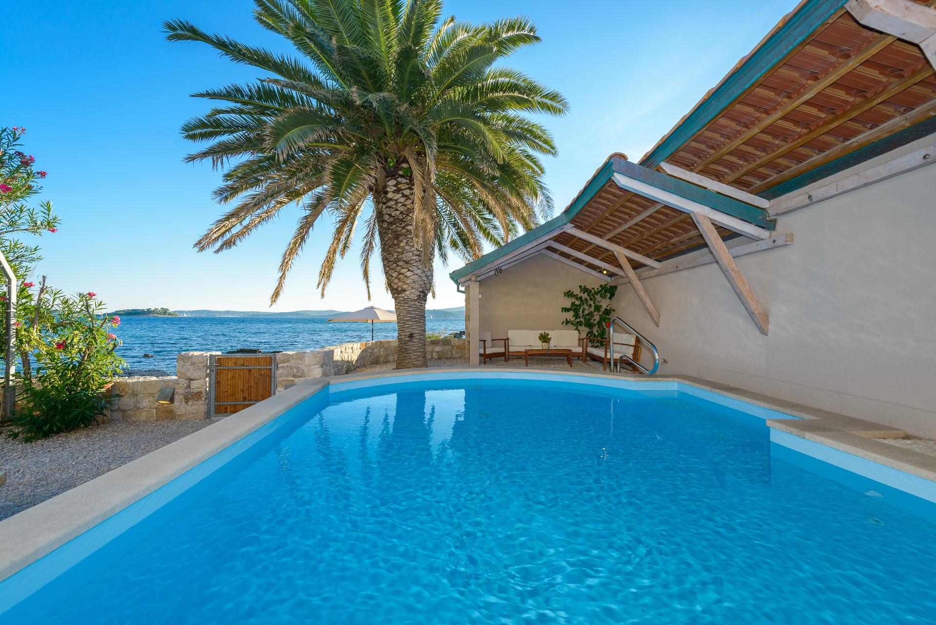 Villa de Maris with Swimming pool