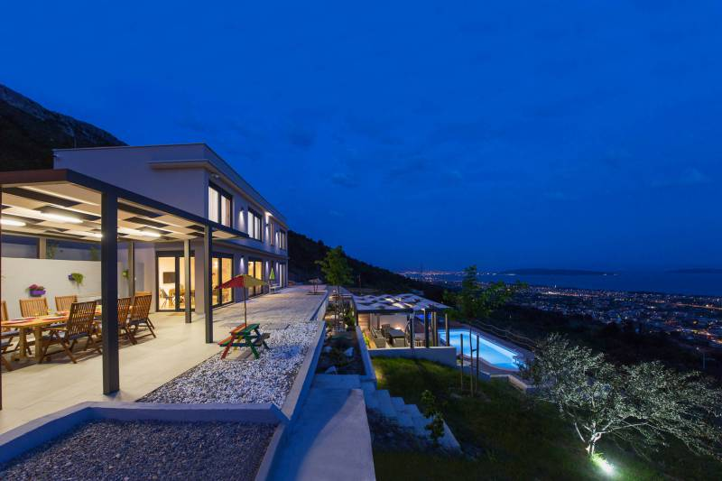 Luxury Villa Grand View with Swimming Pool