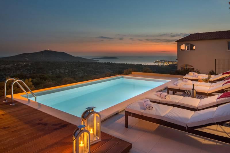 Luxury Villa Mia Bella with Pool