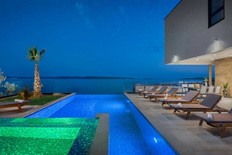 Luxury Villa Sapphire Pearl with Pool