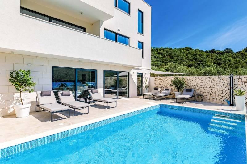 Villa White Paradise with Pool
