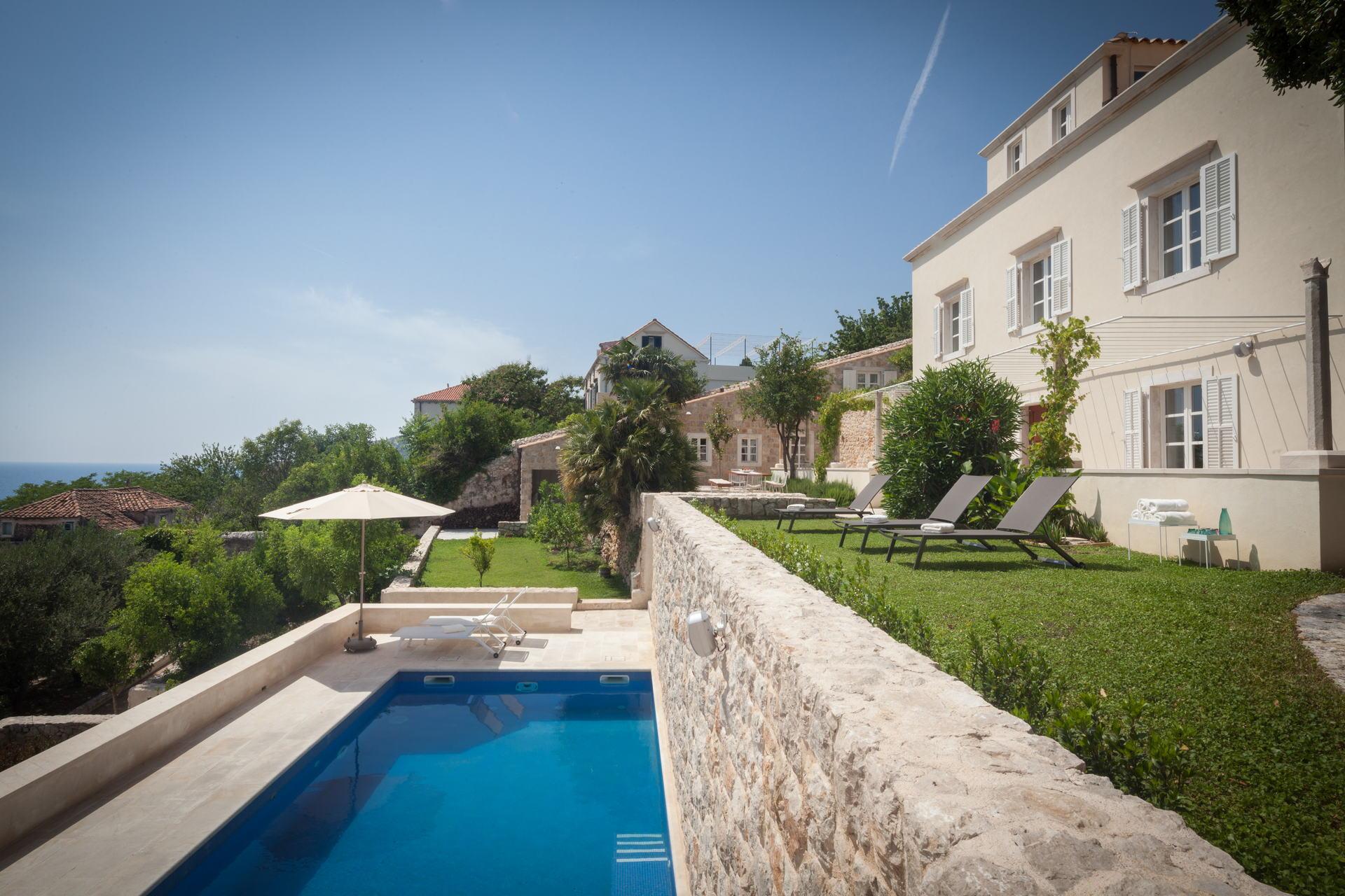 Villa My Way Palace with Swimming Pool