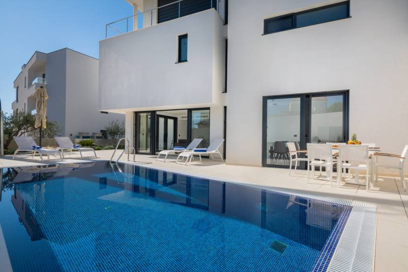 Luxury Villa Nautica Seconda with Pool