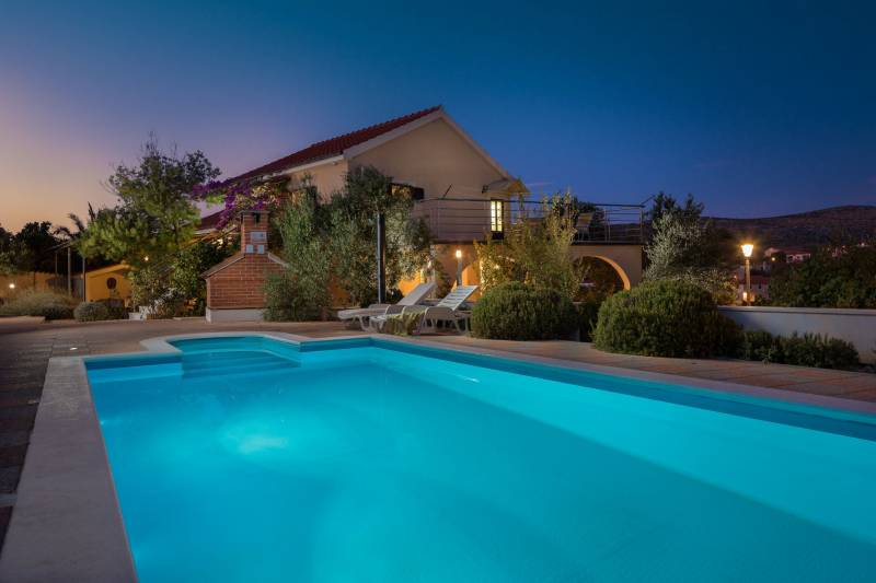 Holiday Home Casa Brava with Pool