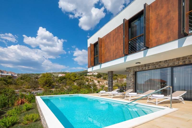 Sun Dance Luxury Villa IV